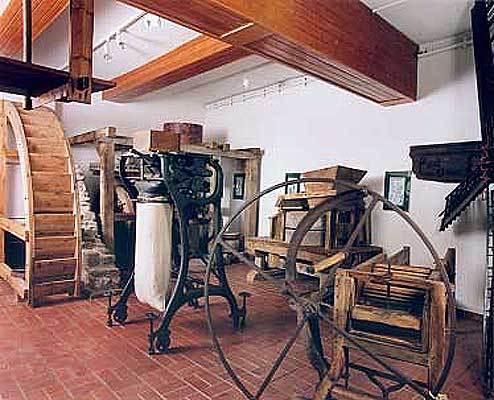 Gerätschaften aus Mühlen, Brauereien und dem Landhandel