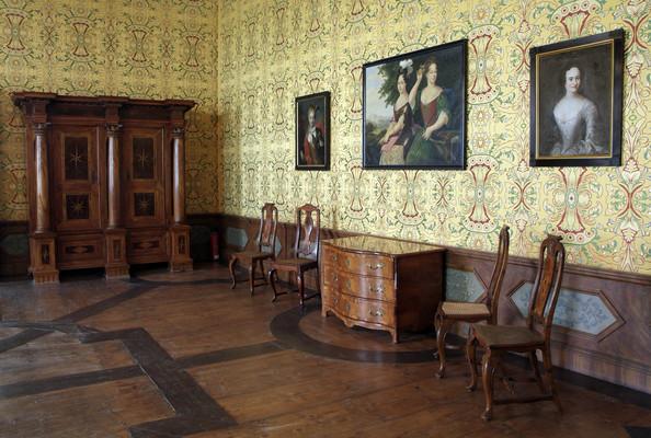 Gelber Saal mit Galerie