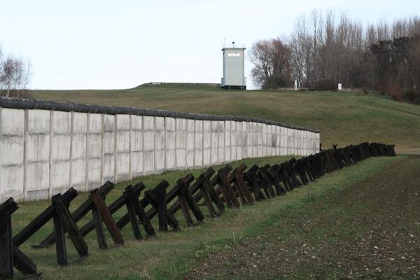 Grenzdenkmal Hötensleben (Teilansicht), 2013