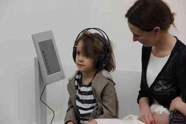Hörstationen