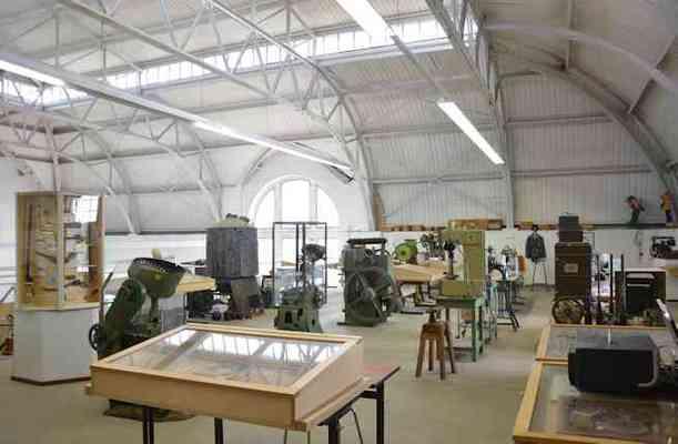 Hauptausstellungshalle und Munitions-Empore