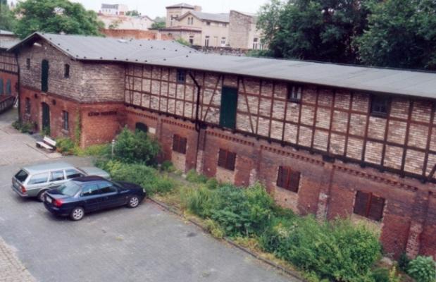 Ansicht des Museumsgebäudes: ehemaliger Stall für Rinder- u. Pferdehaltung