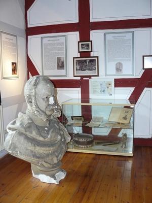 Teil der Ausstellung zum Militär-Knaben- Erziehungsinstitut (Foto: Wolfgang Donath)
